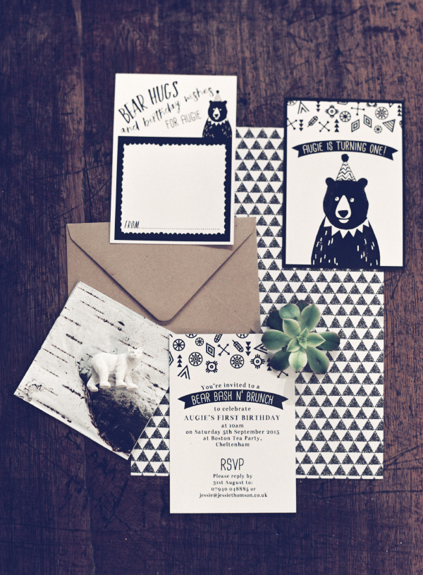 Bear Themed Kids First Birthday Party Invitation Ideas