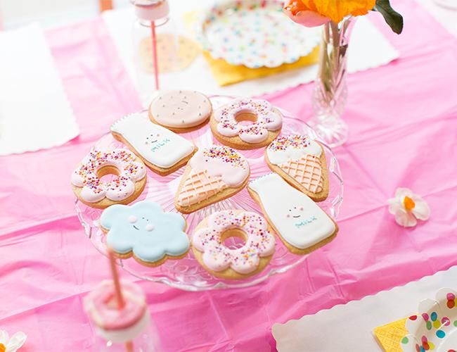 Cute kawaii cupcake donut strawberry cartoon shopkins kids birthday party Invitations stationery 4